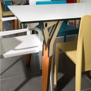 Kataba table @ laPiola. Design by PeLi